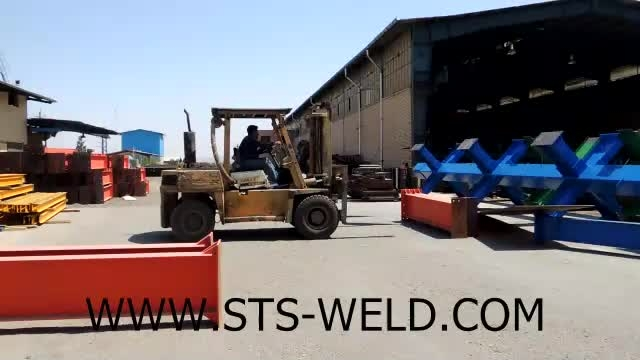 بارگیری سازه فلزی ساخته شده در کارگاه ساخت اسکلت فلزی