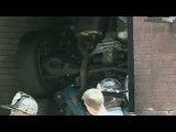 سقوط خودرو از طبقه پنجم پارکینگ
