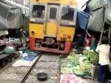 سبزی فروشی در راه آهن