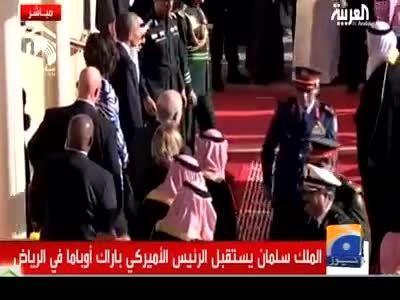 ترک اوباما و اقامه نماز سعودی ها