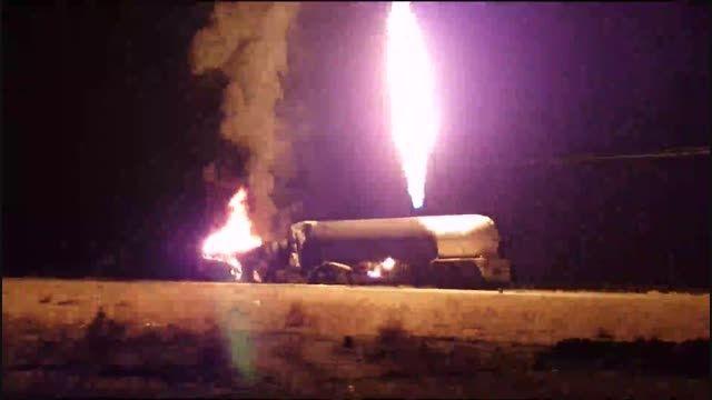 بونکر حامل گاز مایع در محور اصفهان به نائین آتش گرفت