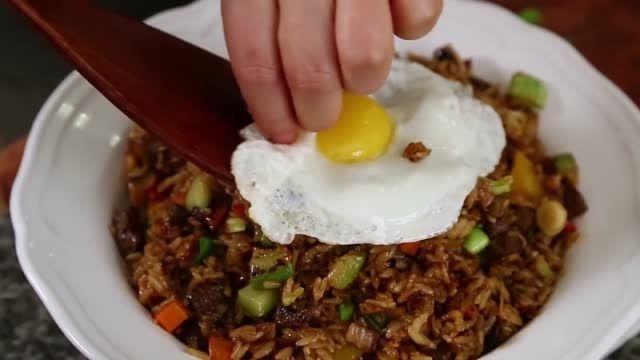 غذای کُره ای- سبزیجات و برنج تفت داده شده