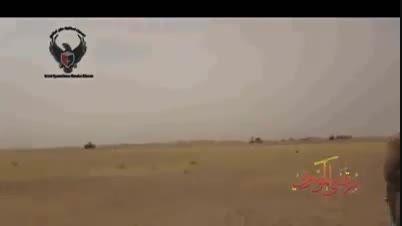 داعشی انگلیسی سعی داشت فرار کنه اما نتونست و جر خورد