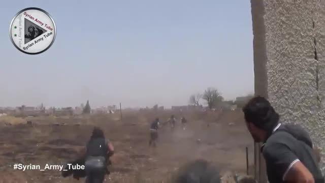 لحظه ترکیدن دسته جمعی تروریست ها توسط ارتش سوریه
