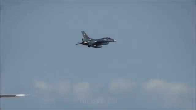 هواپیمای جنگنده میتسوبیشی F2