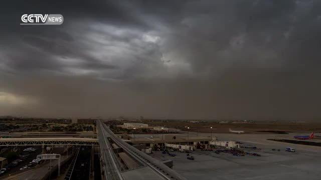 زمان بندی آغاز و رسیدن طوفان شن به فرودگاه فونیکس