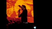 سورپرایز بنیامین بهادری برای حمید عسکری در کنسرت..... :/