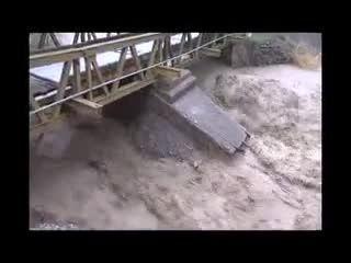 سیلاب با جاده چالوس چه کرد؟