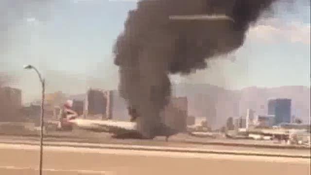 آتش گرفتن هواپیمای مسافری در آمریکا