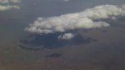 آسمان از پنجره هواپیما