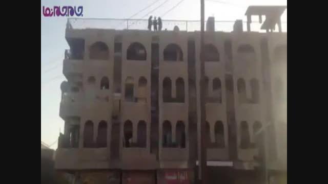 داعش 4 نفر را از ساختمان پرتاب کرد!!!!!1