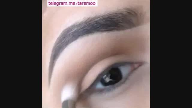آرایش چشم با سایه مشکی و خط چشم در تارمو