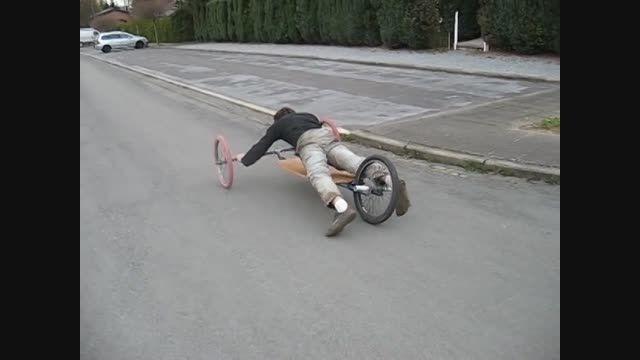 الگو برداری از موتورسیکلت بتمن
