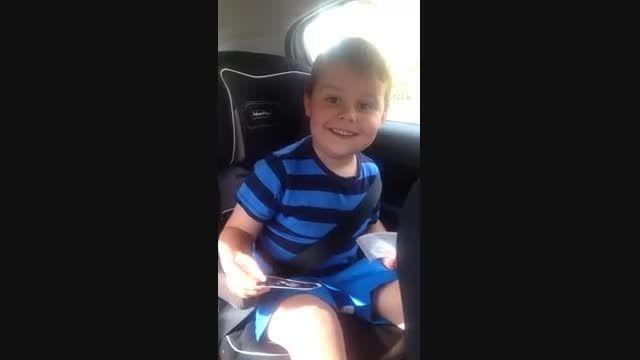 واکنش کودک پنج ساله به بردار بزرگتر شدنش!