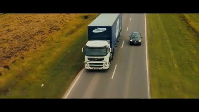 کامیون های ایمن سامسونگ با پخش زنده جاده بر روی درب عقب