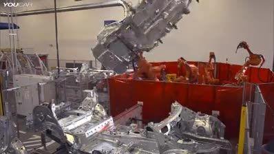 کاربرد تکنولوژی روباتیک در صنعت خودروسازی