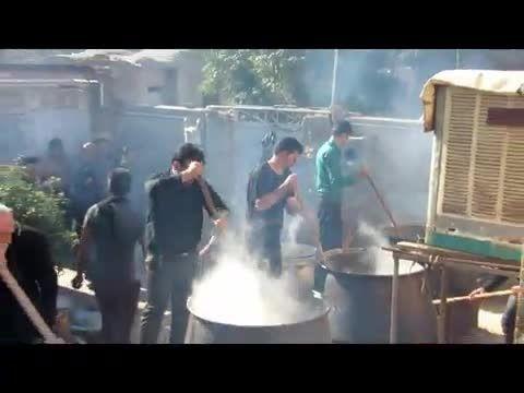 پختن نذری در مراسم عزای حسینی..