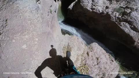 پرش 15 متری در عمق 70 سانتی متر