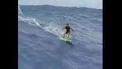مسابقه موج سوار با قایق سوار در دریا