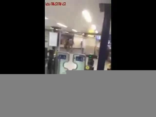 فیلم درگیری پلیس لندن با تروریست چاقوکش-گلچین صفاسا