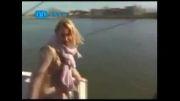به آب افتادن مجری زن در برنامه زنده تلویزیونی !!!