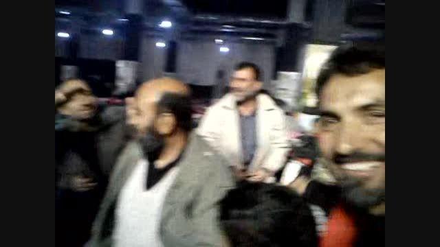 شانه کردن مو عمو رجب در حسینیه حکیم نجف