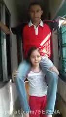 کول کردن مرد 75کیلویی توسط دختربچه