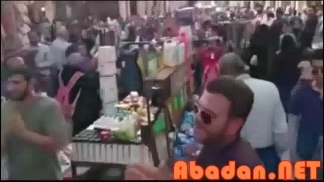 دستفروشی آبادانی های بانشاط در یک بازار بی روح و کسل