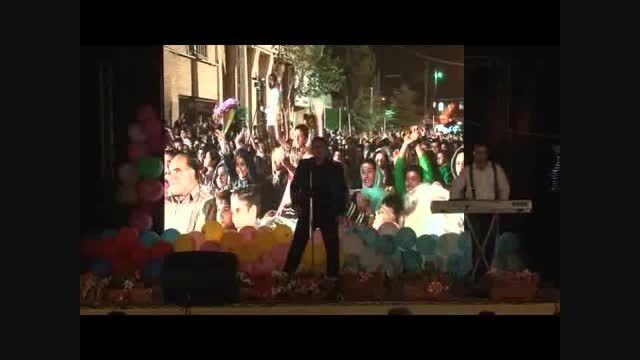 استندآپ کمدی و تقلید صدا توسط مجید عزتی
