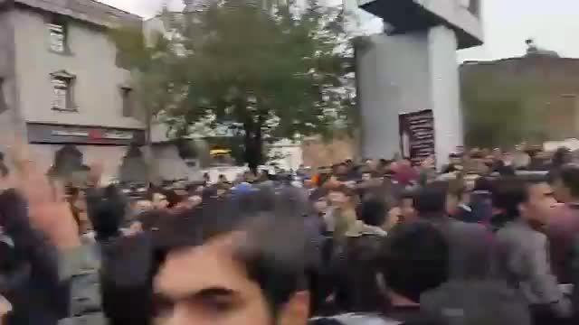 تجمع اعتراضی آذری ها