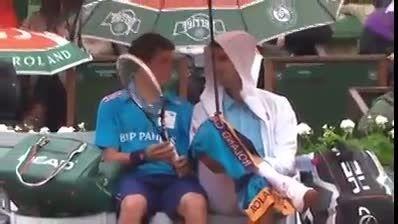 حرکت زیبا و مرامی مرد شماره یک تنیس دنیا