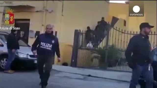 تصاویری ازبازداشت محافظ بن لادن و 18تروریست دیگر!!!!!!