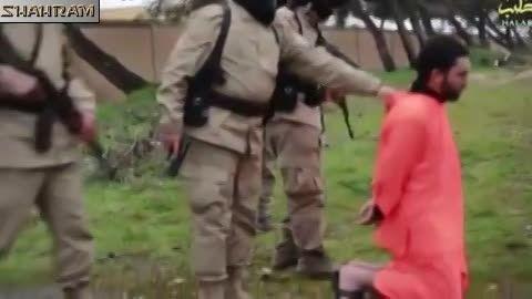جنایت داعش - اعدام به اتهام جاسوس ترکیه