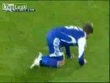 فیلم بازی کردن در زمین فوتبال