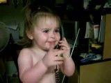 حرف زدن یه بچه با تلفن