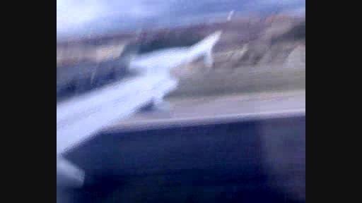 لحظه فرود هواپیما به فرودگاه باراخاس مادرید