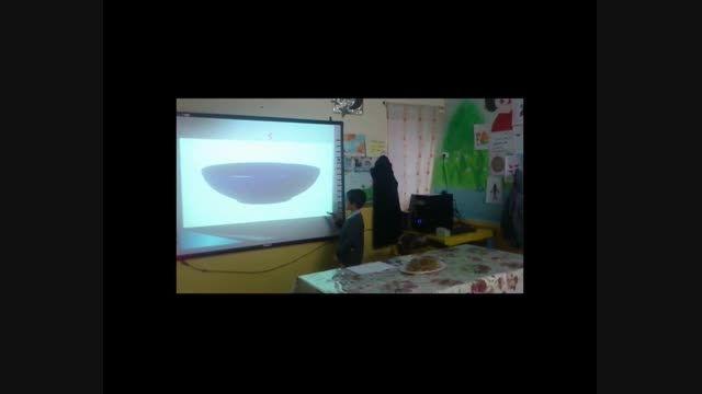 """تدریس نشانه """" ک """" توسط دانش آموز کلاس اول"""
