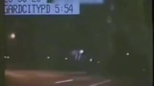 فیلم باور نکردنی ناپدید شدن ماشین تحت تعقیب پلیس!!!