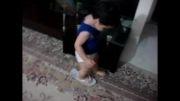 راه رفتن با دمپایی مامان :)