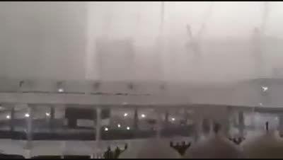 مسجدالحرام در لحظه حادثه دلخراش سقوط جرثقیل دمسجدالحرام