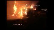 لحظه ی آتش گرفتن دو اتوبوس در اتوبان تهران-قم
