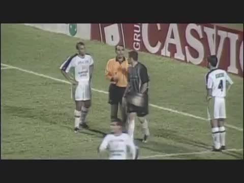 سوتی  های جنجالی داور فوتبال