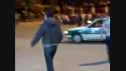 حرکت نمایشی زیبا با پژو 405 و حرکت جالب پلیس برای توقفش
