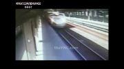 فجیع ترین خودکشی در مترو..+18