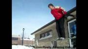 سقوط و رفتن با سر توی برف!!!!اشتباه در محاسبات پرش.....