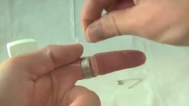 بهترین روش برای درآوردن انگشتری که توی دست گیر کرده
