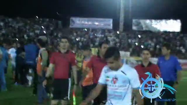 بخش نهایی دیدار ملوان-نفت و جشن بقاء ملوان در لیگ برتر