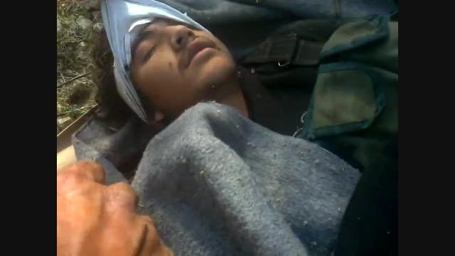 تروریست خودش رو به مردن زده برای فرار از سربازان سوری