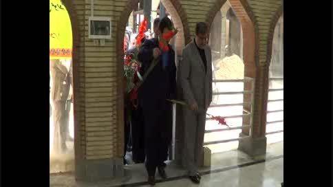 وزیر ارشاد به شهدای صومعه سرا ادای احترام کرد