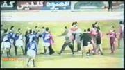 درگیری بازیکنان استقلال و پرسپولیس در دربی جنجالی ۷۳